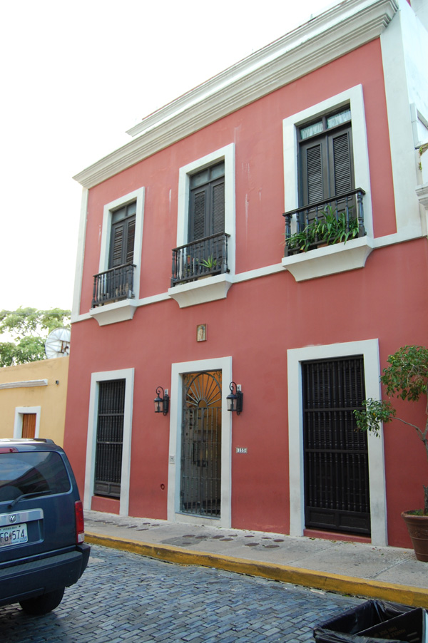 Merevin's apartment in San Juan, Puerto Rico.