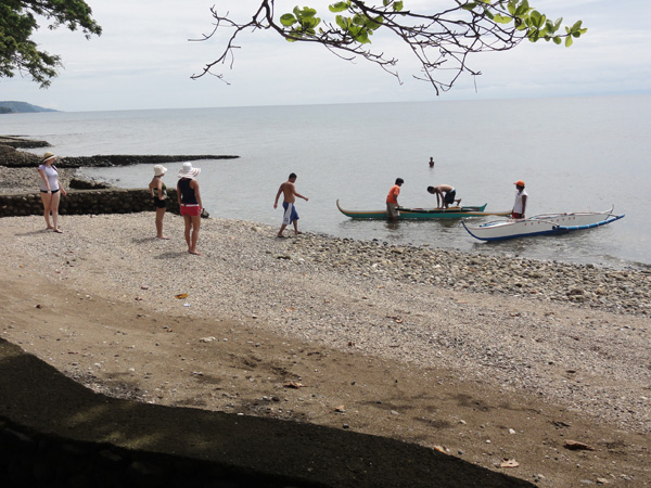 Members of the Banogon Clan get ready to spend the day canoeing at the Lalimar Beach Resort.