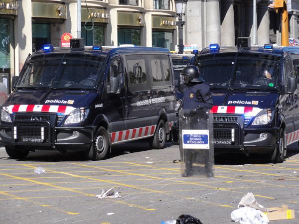 barcelona-riot-merevin-12
