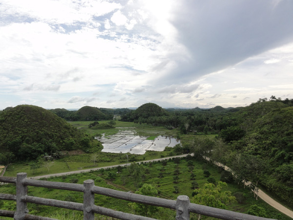 bohol-chocolate-hills-philippines-merevin-02