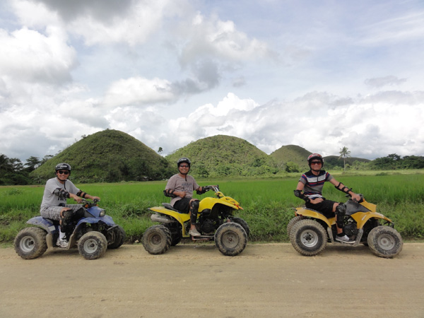 bohol-chocolate-hills-philippines-merevin-06
