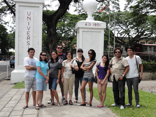 Kevin Banogon and Meredith Lambert stop at Silliman University to tour the campus.