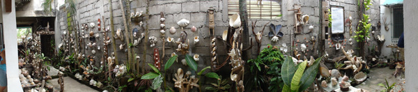 A brief stop at Shell Garden outside of Dumaguete City.