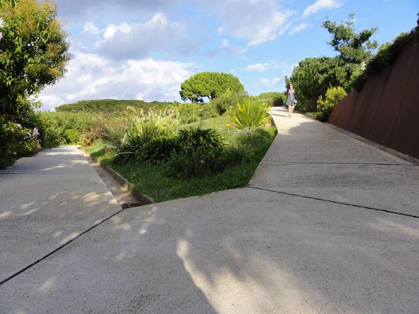 The angled walkways of Jardí Botànic de Barcelona.
