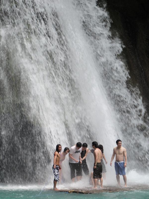 kawasan-falls-philippines-merevin-10