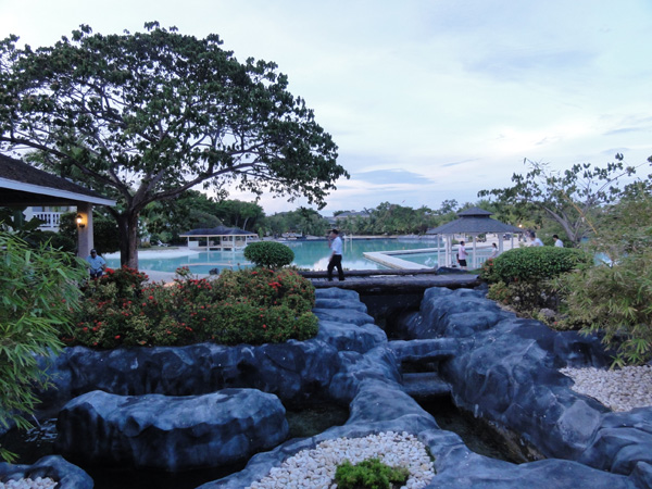 plantation-bay-resort-philippines-merevin-02