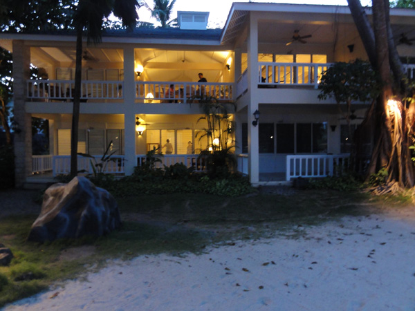 plantation-bay-resort-philippines-merevin-04
