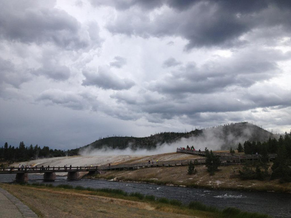 grand-prismatic-spring-yellowstone-merevin-01