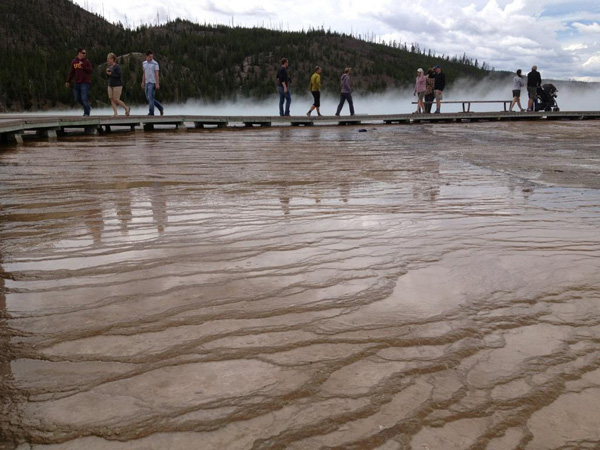 grand-prismatic-spring-yellowstone-merevin-04