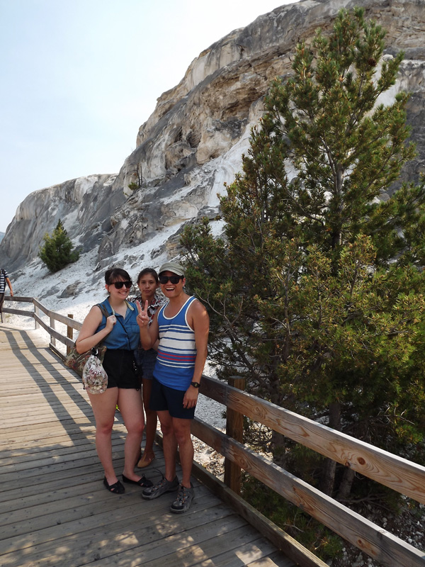 mammoth-hot-springs-yellowstone-merevin-10