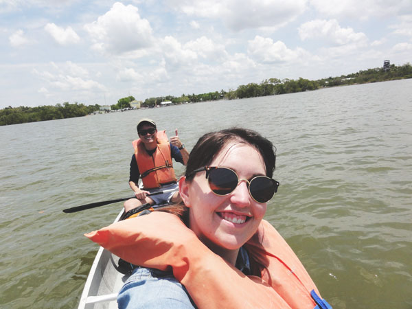 Miami travel bloggers, Meredith Lambert and Kevin Banogon canoe through the Ten Thousand Islands.