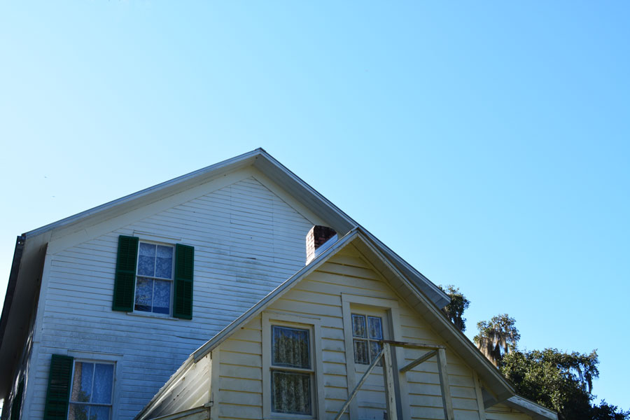 Blue skies above the Thursby House at Blue Springs State Park, a quick day trip outside of Orlando.