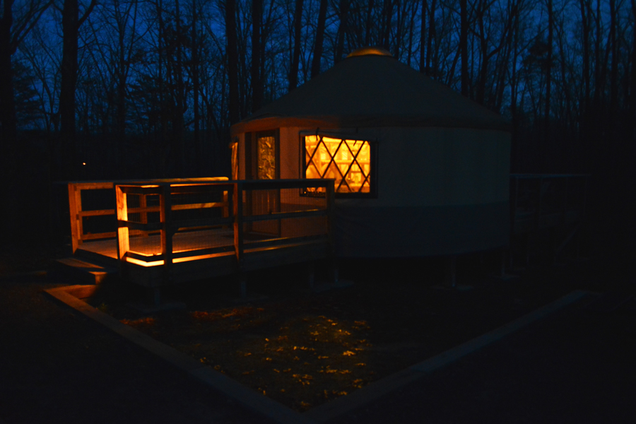 A Cloudland Canyon Yurt under a Georgia winter night while camping.