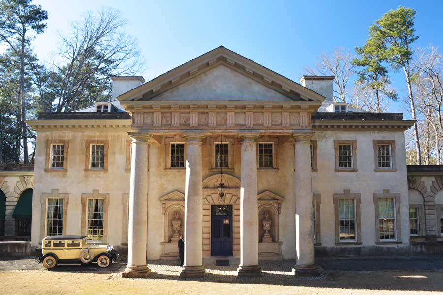 The Swan House in Atlanta, Georgia is a historic house within Buckhead used as a filming location for The Hunger Games.